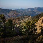 Subida a la sierra desde Agres (foto Miguel Lorenzo).