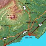 """Entre els cims emblemàtics valencians s'alça pròxim al mar el Puig Campana, cim que, per la seua grandiositat, elevació, paisatge i simbolisme, alguns autors no han dubtat a denominar """"muntanya màgica"""". Es localitza a la província d'Alacant i tanca pel sud el conjunt conegut com la """"muntanya alacantina"""". A les seues faldes meridionals, arrecerat, es […]"""