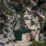 El Pou Clar és un potent deu d'aigua situat dins del Paratge Natural Municipal Serra de l'Ombria-Pou Clar, als voltants de la ciutat d'Ontinyent, capital de la Vall d'Albaida, junt a la carretera de Bocairent i el punt d'arrencada de la carretera local de Fontanars dels Alforins. Aquest brollador està considerat com el naixement del […]